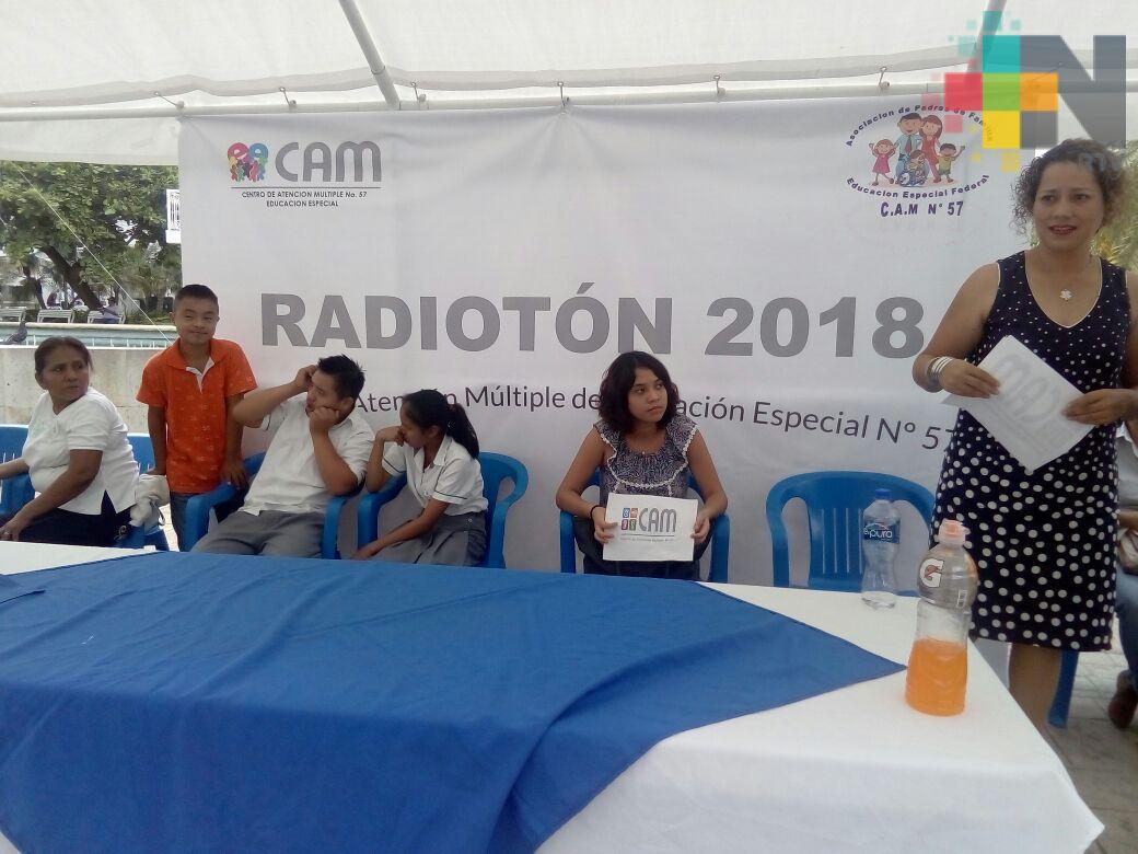 Padres de familia realizan Radiotón para dar mantenimiento a CAM de Tuxpan