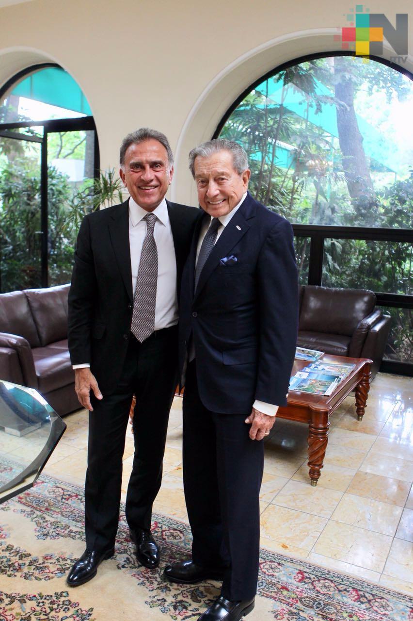 Asiste el gobernador Yunes a presentación de documental sobre Miguel Alemán González