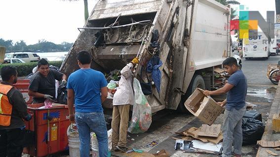 Ayuntamiento de Tuxpan busca restablecer las rutas de camiones de limpia pública