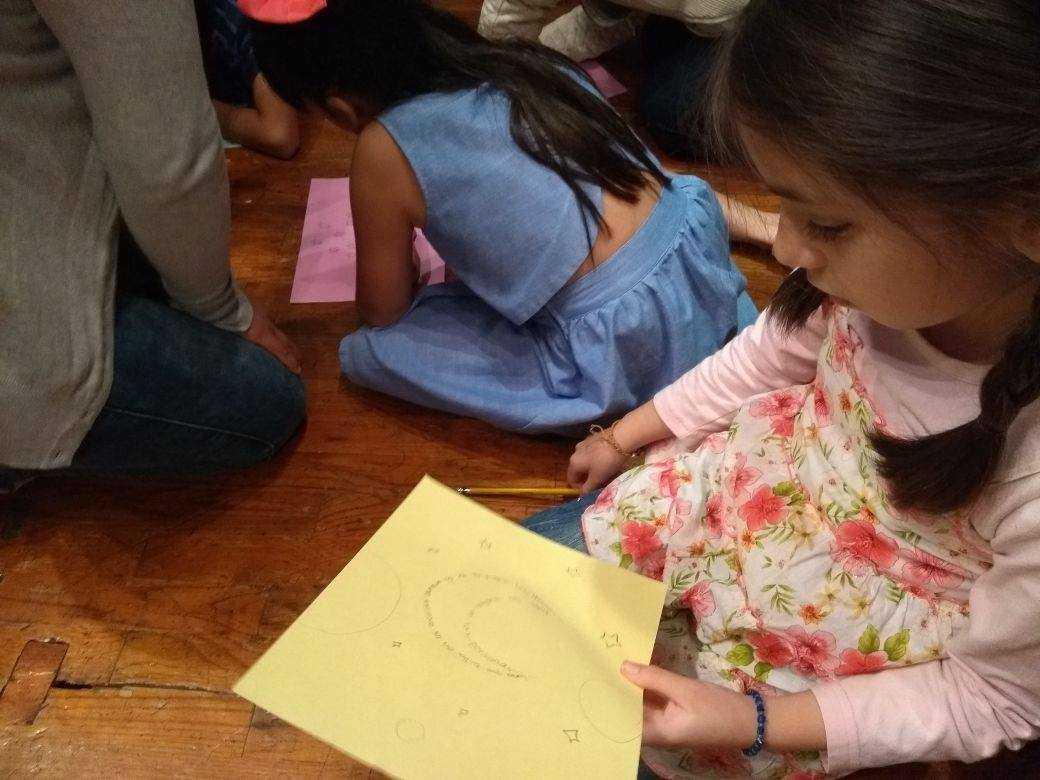 Sala de lectura infantil en la GACX