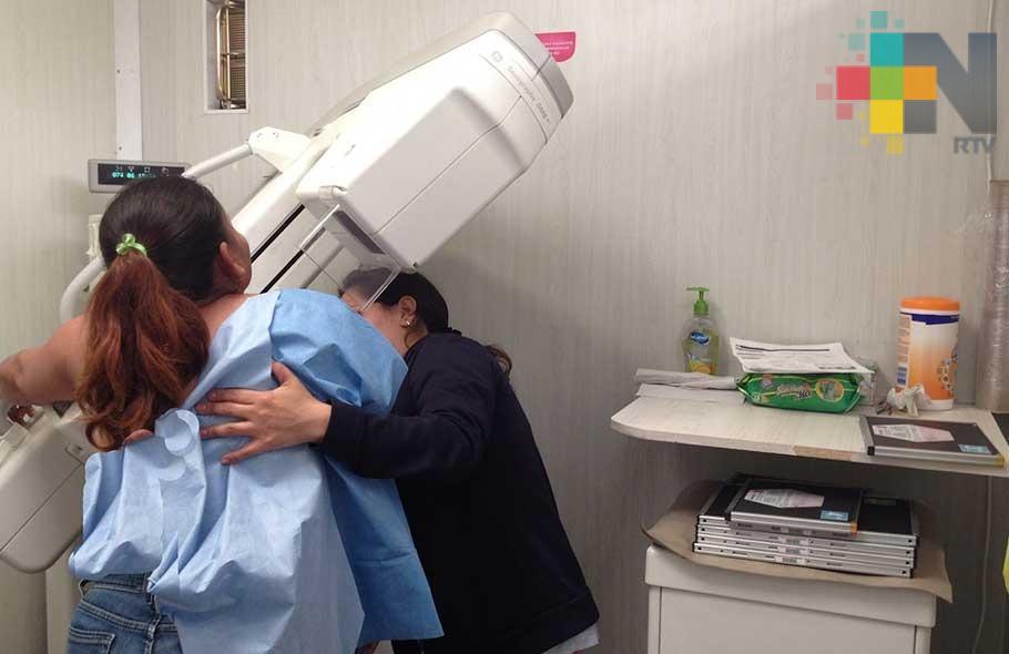 En 10 años podría haber cuatro millones de casos de cáncer de mama en el país: Especialista
