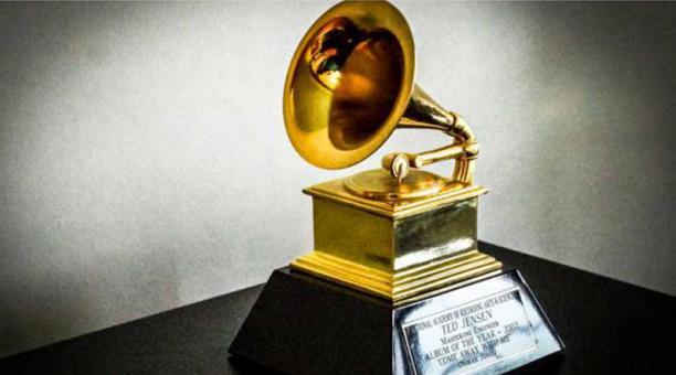 Academia del Grammy amplía número de nominados de cinco a ocho