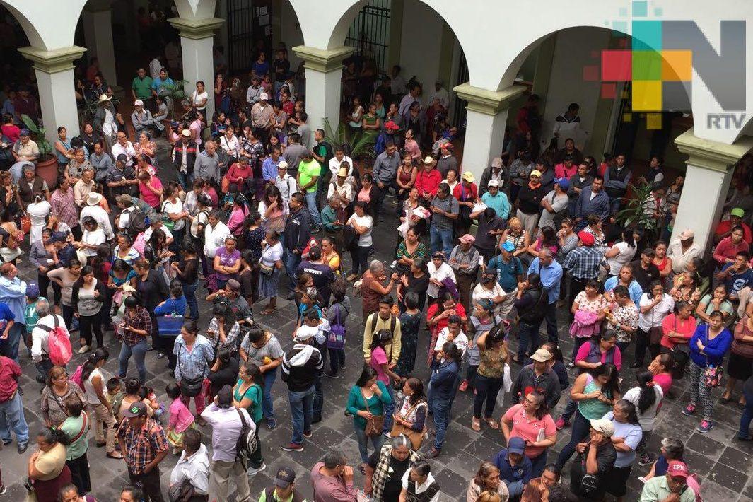 Exigen al alcalde obras de infraestructura en diferentes colonias de Xalapa