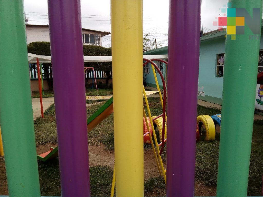 En Huayacocotla hay preocupación de padres de familia por el cobro de cuotas escolares
