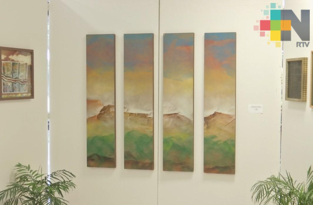 """Aún abierta la exposición """"De la oscuridad a la luz"""" en Congreso del Estado"""