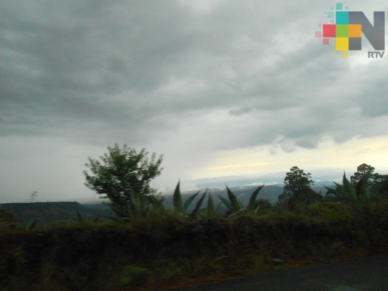 Cielo medio nublado en gran parte de Veracruz; lluvias por la tarde-noche