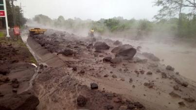 Guatemala suspende búsqueda de víctimas del volcán de Fuego