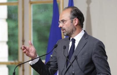 Francia estudiará recibir refugiados de buque Acuarius