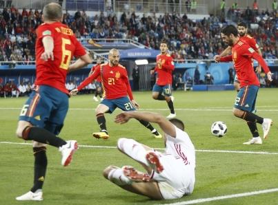 España empata de manera dramática con Marruecos y enfrentará a Rusia