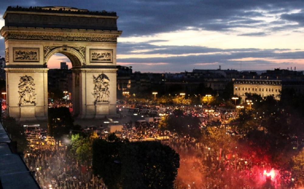 Reportan 27 heridos en Francia por estampida de fiesta del Mundial