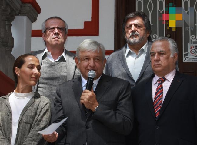 Anuncia López Obrador nombramientos para turismo