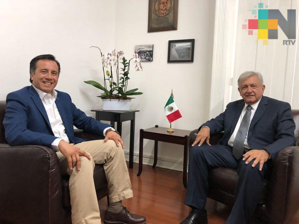 Acuerdan López Obrador y Cuitláhuac atender de forma prioritaria la inseguridad y la extrema pobreza en Veracruz