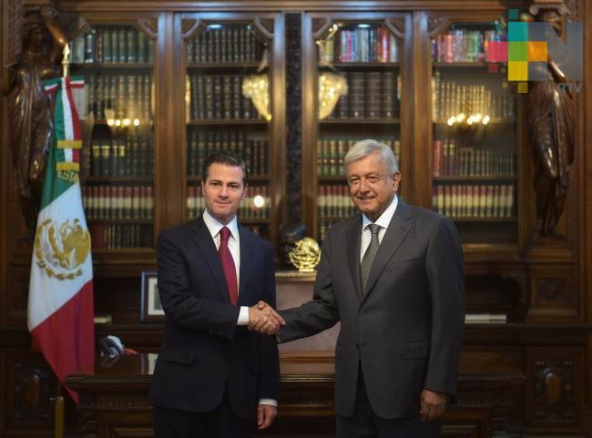 López Obrador y Peña Nieto dialogan en Palacio Nacional