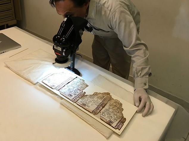 INAH publica facsímiles de manuscritos prehispánicos mayas