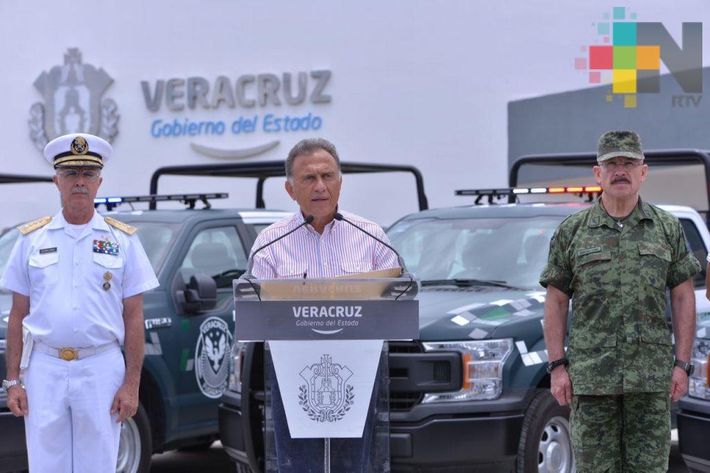 Más patrullas para seguir mejorando la seguridad de los veracruzanos: Gobernador Yunes