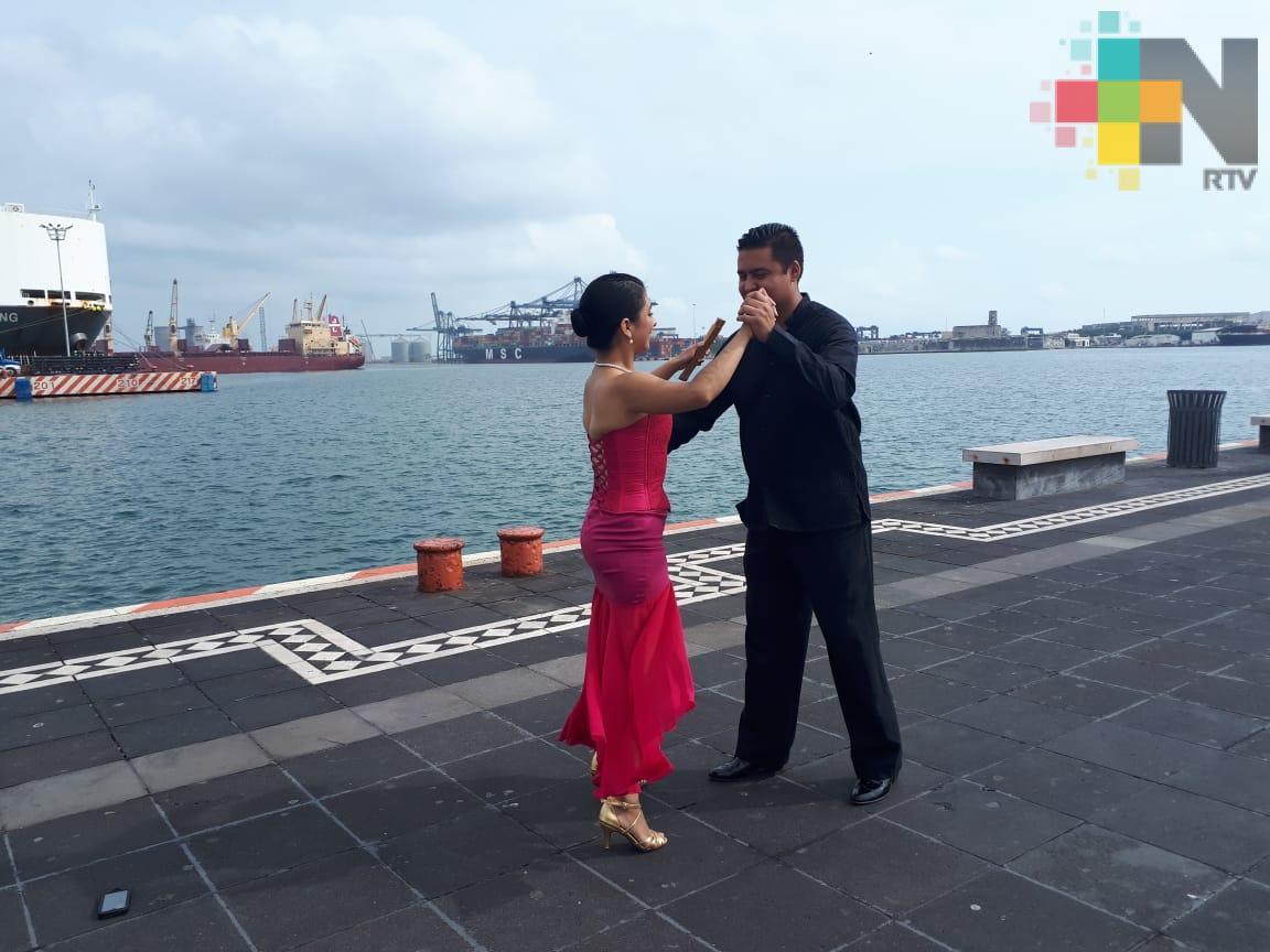 De 25 estados del país vendrán a bailar danzón a Veracruz