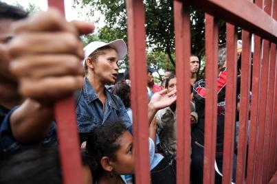 Brasil refuerza presencia militar tras tumulto en frontera con Venezuela
