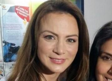"Silvia Navarro y Osvaldo Benavides estrenan ""Donde los mundos colapsan"""