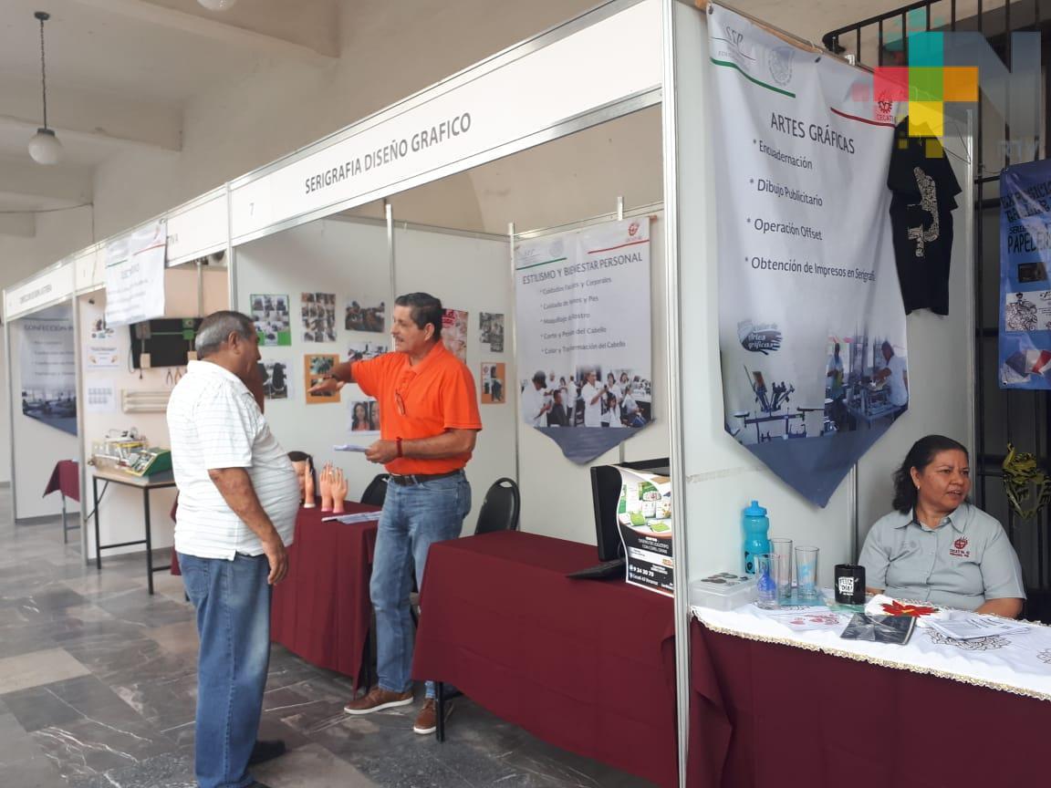 Cecati 42 de Veracruz ofrece más de 20 cursos de capacitación