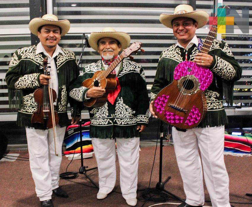 Muestra Tlayoltiyane esplendor musical  de la Huasteca, en Casa del Lago UV