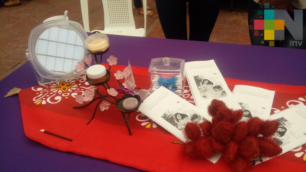 Alumnas del Itesco crean cosméticos a base de vegetales y plantas