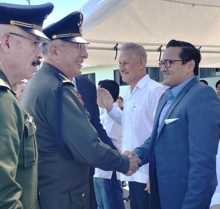 Acude Fiscal General a ceremonia inaugural de obra militar, en Perote