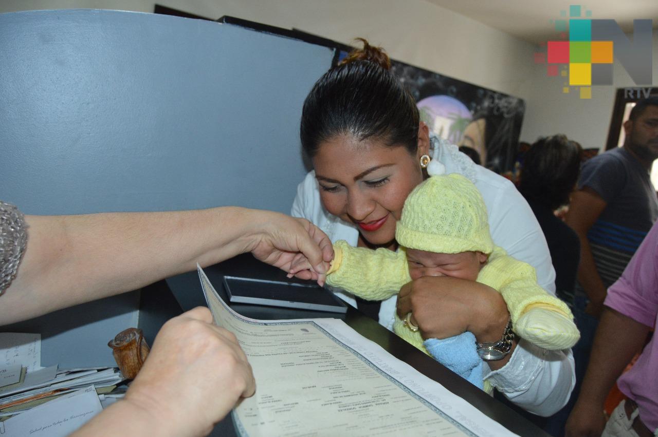 Registro Civil de Xalapa no cobra multas ni sanciones en registro de personas recién nacidas