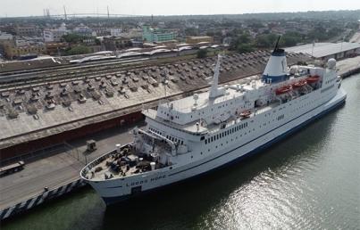Piratas secuestran a 12 tripulantes de buque suizo en aguas de Nigeria