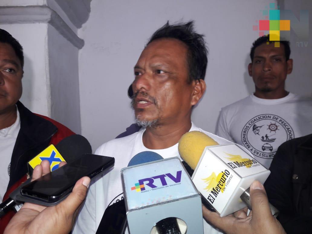 Artesanos piden vender sus productos en malecón de Veracruz