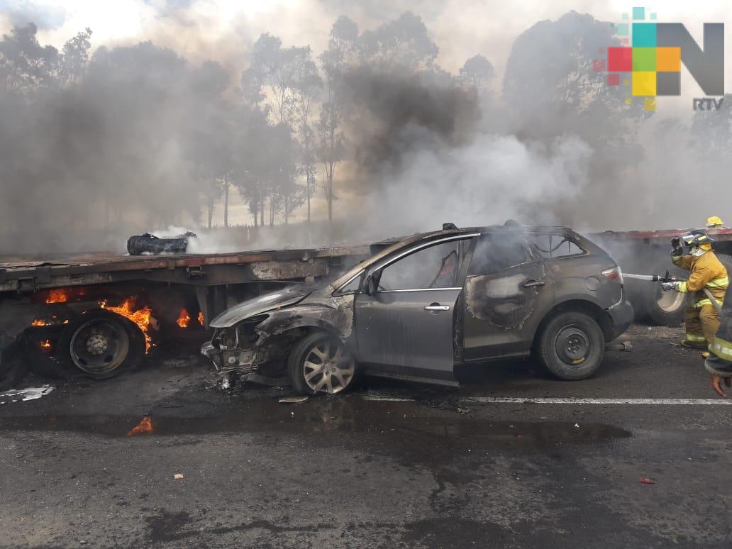 Carambola entre cinco vehículos deja como saldo dos muertos en la autopista Puebla – Orizaba
