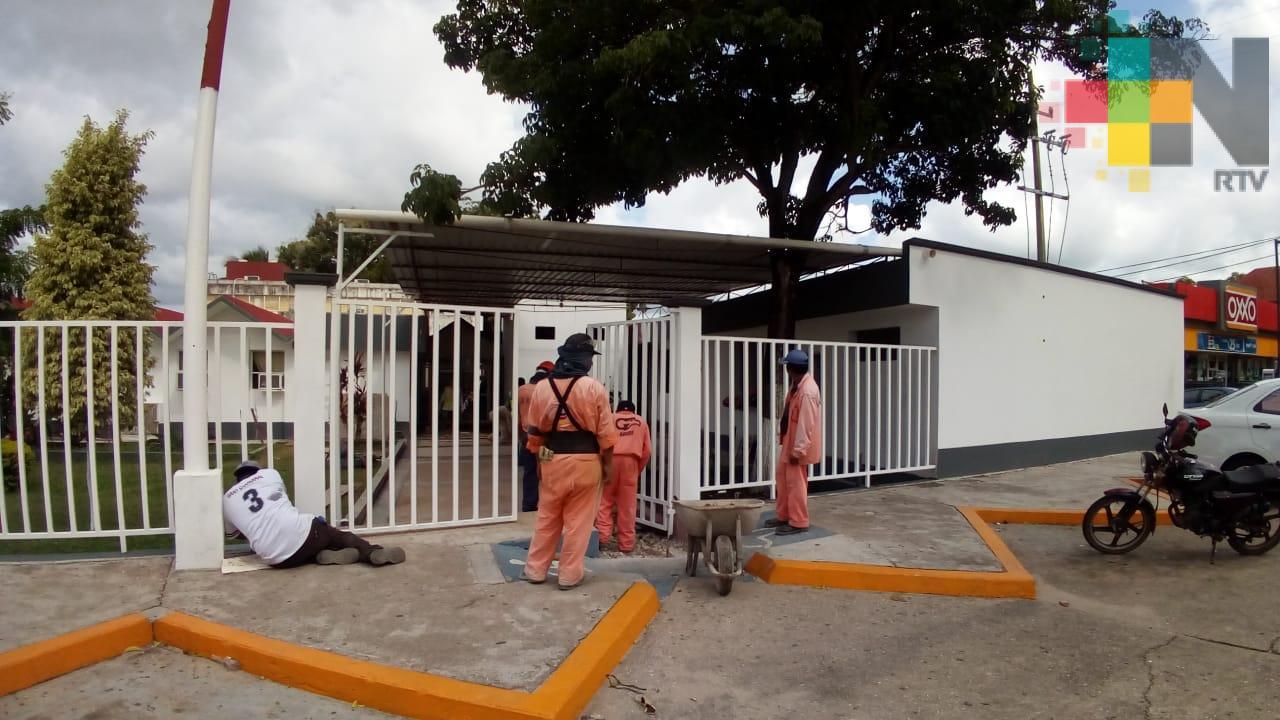 Avanza remodelación de Centro de Salud de Minatitlán