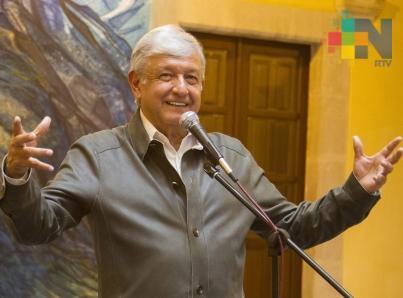 Polémica sobre aeropuerto permite participación popular: López Obrador