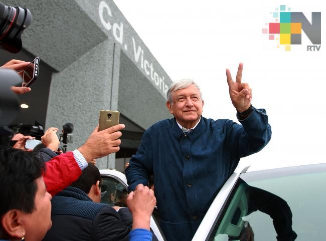 Emplear en México a inmigrantes centroamericanos, plantea López Obrador