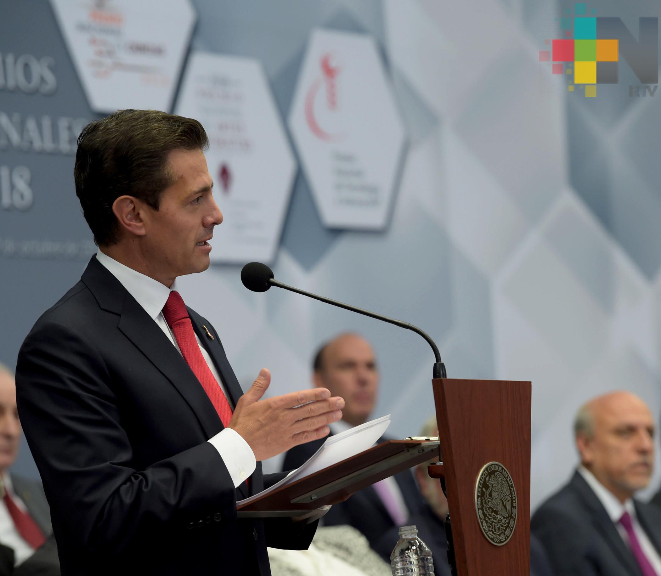 Nuevo gobierno deberá pagar compromisos si cancela aeropuerto en Texcoco Peña Nieto