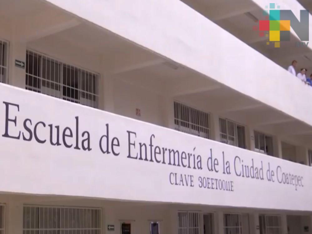 Gobernador de Veracruz entrega plantel a la Escuela de Enfermería de Coatepec