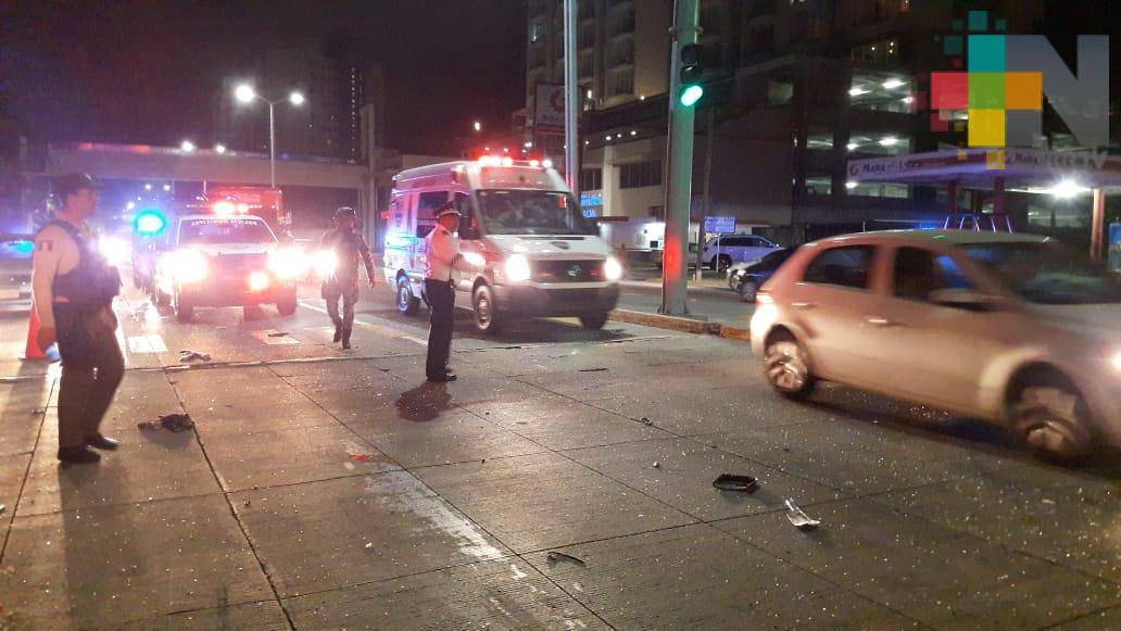 Choque deja un motociclista muerto y cinco lesionados, en el boulevard Miguel Alemán