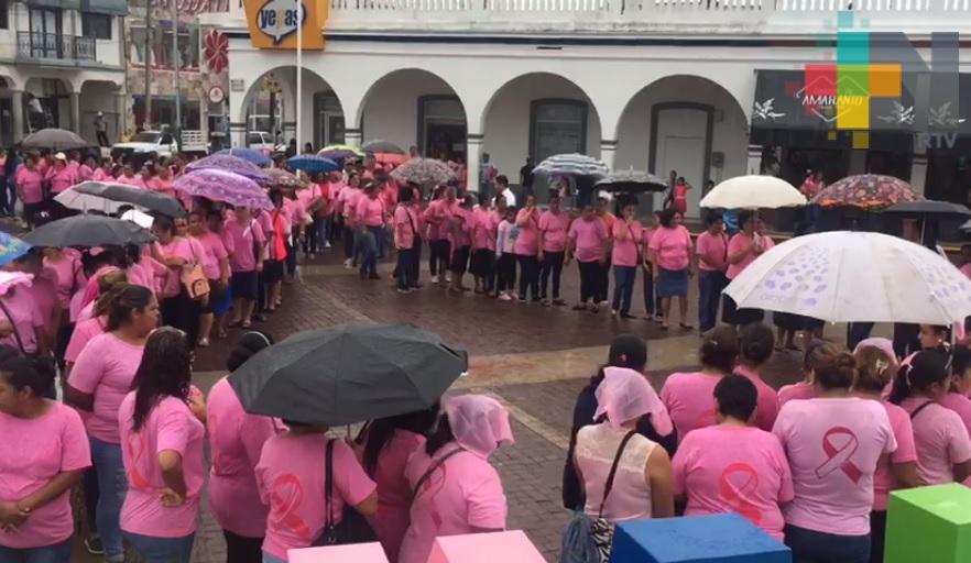 Cientos de mujeres terrablanquenses promueven lucha contra el cáncer