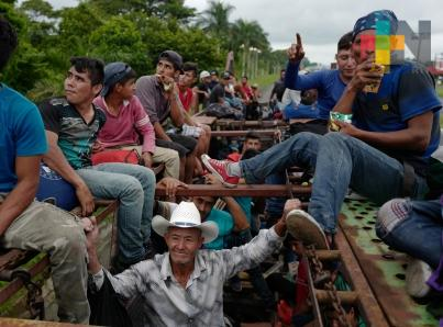 Trump agradece a México respuesta ante caravana de migrantes
