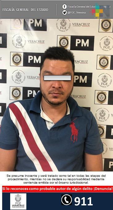 Detienen e imputan a probable responsable de robo agravado a comercio, en Xalapa