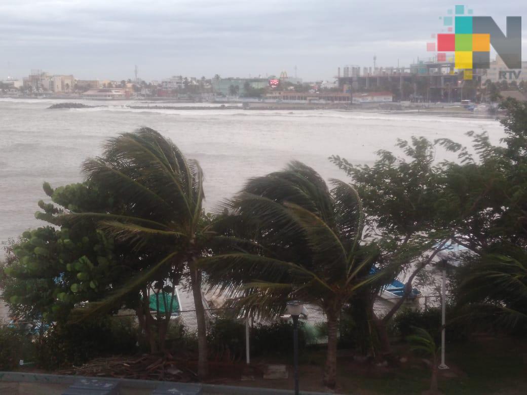 Prevalecen rachas de viento en la zona conurbada
