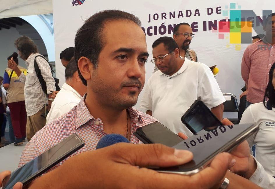 Adjudica Fernando Yunes Márquez servicio de alumbrado público de manera irregular