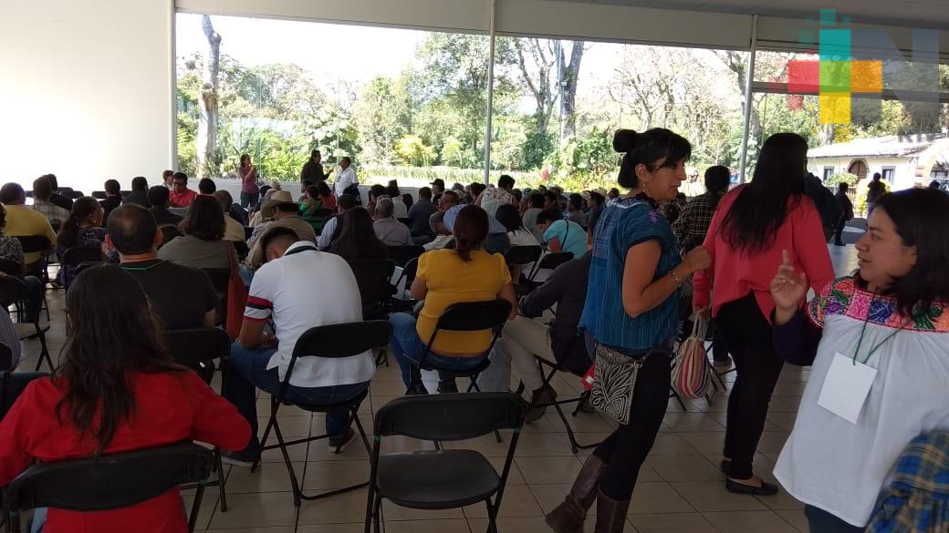 Se reúnen campesinos en foro para proponer soluciones a la problemática del café