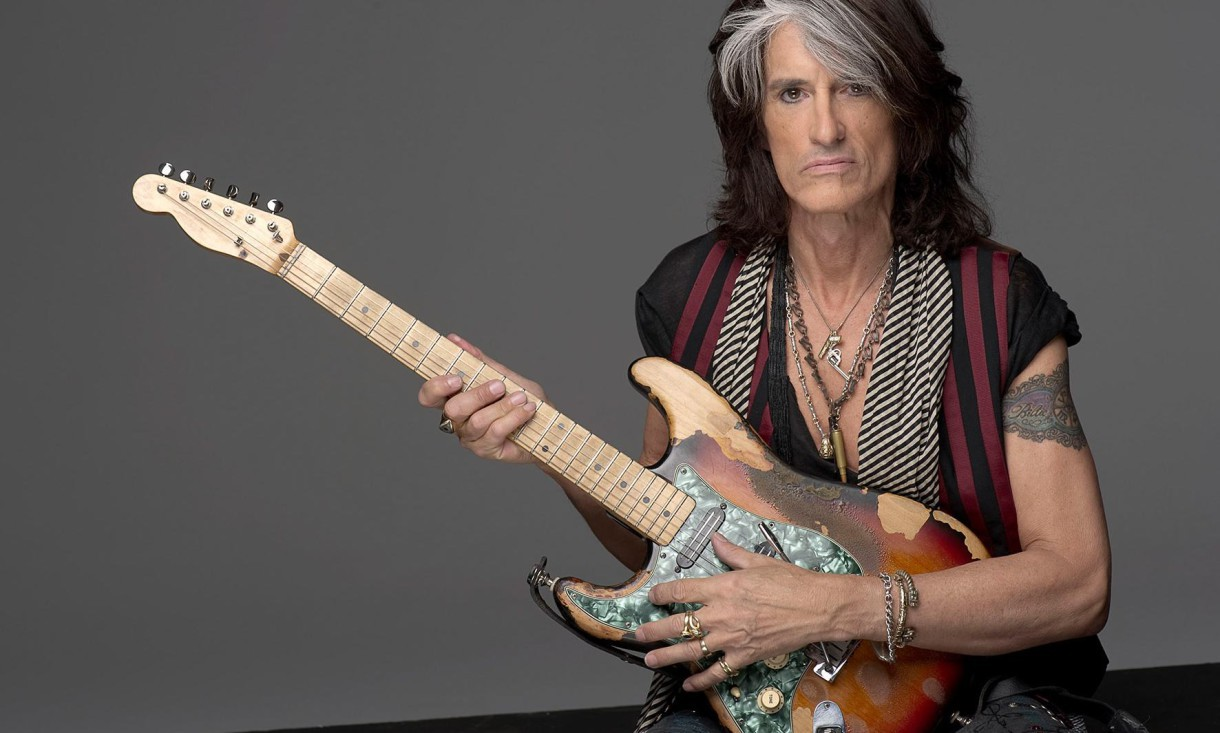 Hospitalizan Joe Perry guitarrista de Aerosmith