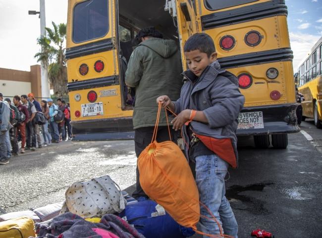 Pequeños migrantes solitarios buscan llegar a destinos seguros: Unicef