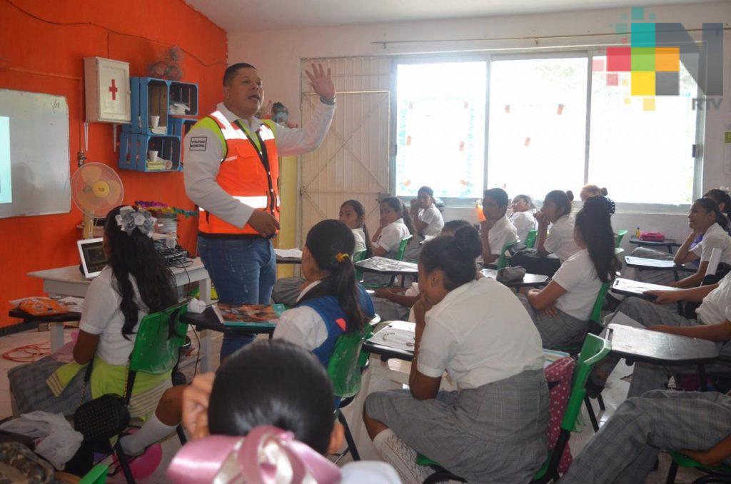 Imparten talleres de seguridad vial en Tierra Blanca