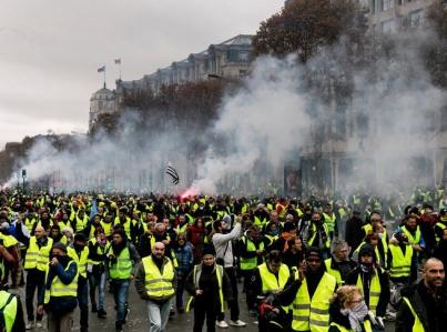 """""""Chalecos amarillos"""" anuncian nuevas protestas en Francia"""