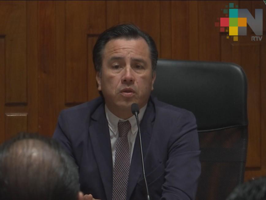 Gobernador de Veracruz encabeza mesa de trabajo con colectivos de personas desaparecidas