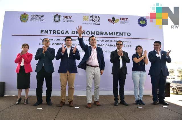 Estudiar y servir, acto revolucionario de la juventud: Cuitláhuac García
