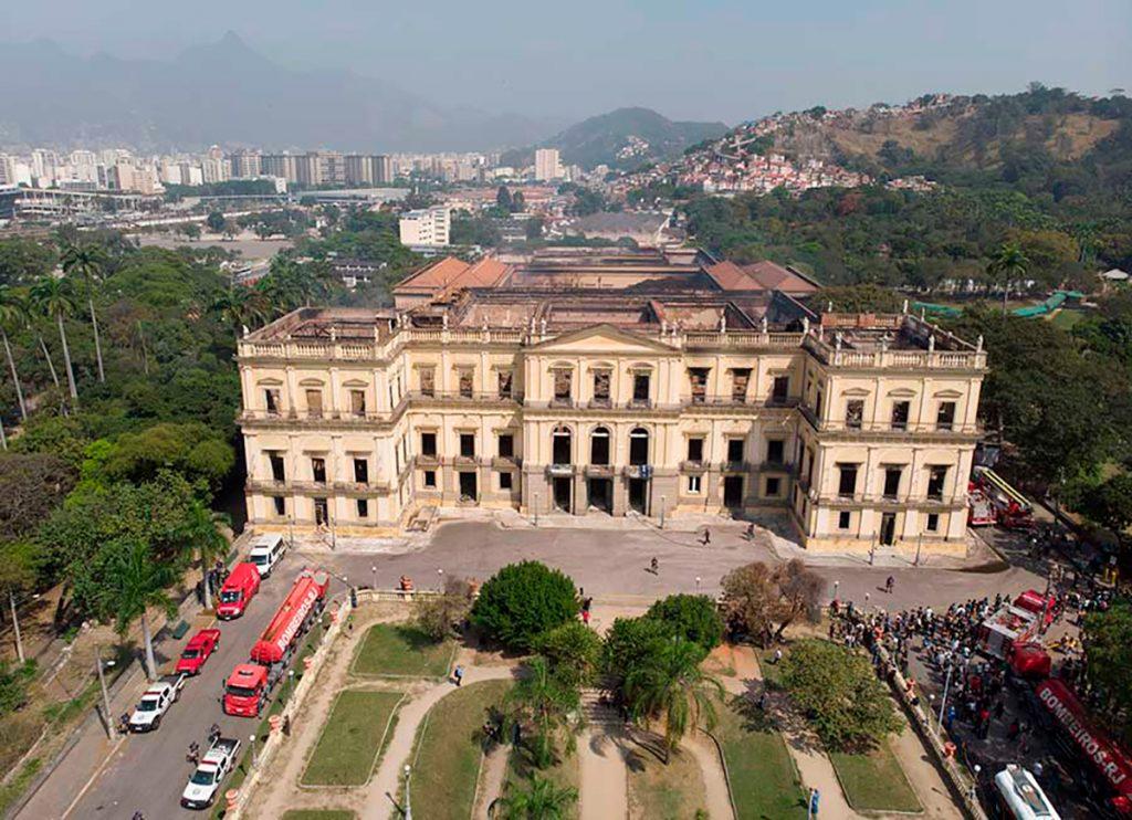 Participa INAH en reconstrucción del Museo Nacional de Brasil; donará penacho amazónico