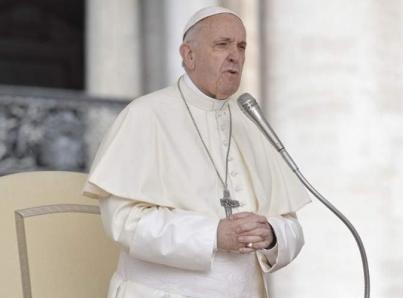 Un mundo digno para los niños, pide Papa en día de los santos inocentes